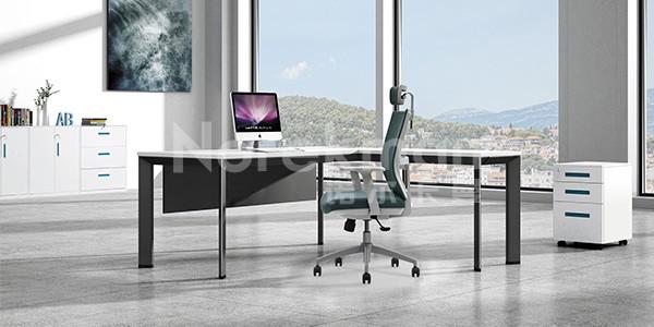 如何在大市场上面找到合适我们的办公桌和办公椅